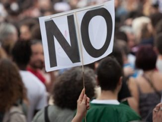 protest,no,cuts