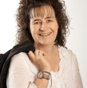 Portrait of Dr Sandi Mann