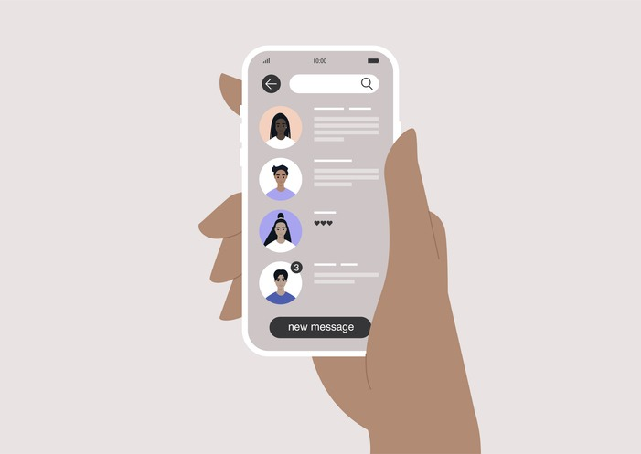 Online mobile messenger interface, user avatars and messages previews, usability
